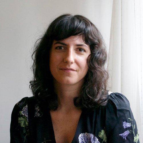 Caitlin Pearce Headshot